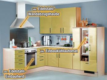 Musterküche in Darmstadt in gelb mit E-Geräten